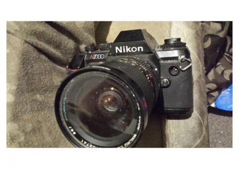 Nikon n2000 1985 camera awsome condition with manual