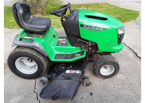 John Deere Sabre riding mower